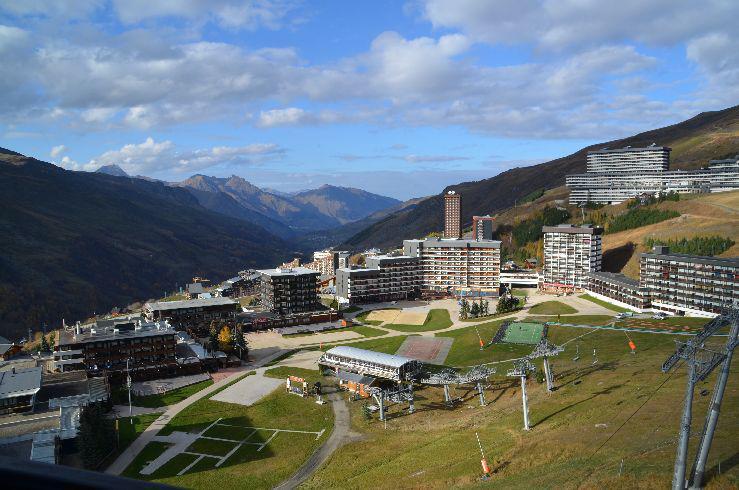 Vacances en montagne Résidence Pelvoux - Les Menuires - Extérieur été