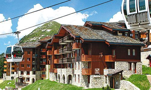 Location au ski Résidence Pierre et Vacances les Chalets des Arolles - La Plagne - Extérieur été