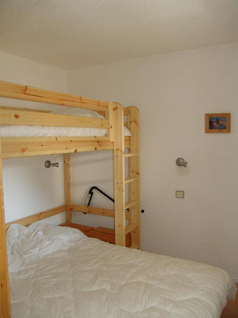 Holiday in mountain resort 2 room apartment 4 people (C22) - Résidence Plan Soleil - Valloire - Bedroom