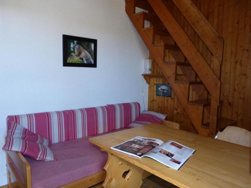 Holiday in mountain resort Studio mezzanine 4 people (36) - Résidence Plein Soleil - La Plagne - Table