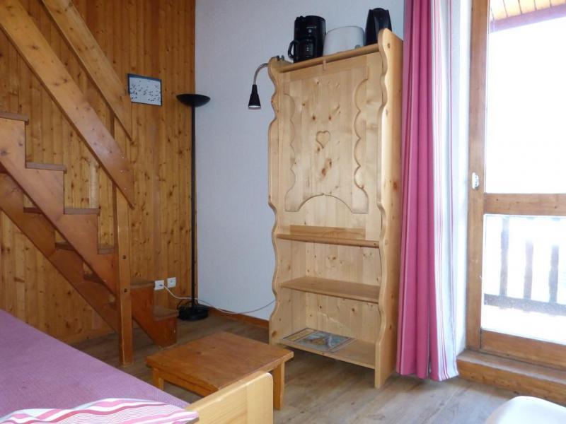 Holiday in mountain resort Studio mezzanine 4 people (36) - Résidence Plein Soleil - La Plagne - Window