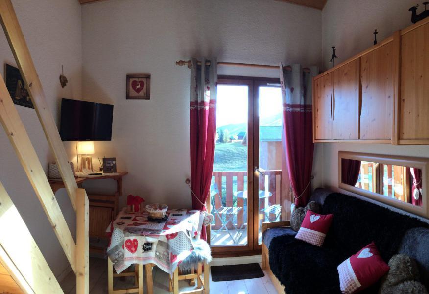 Wakacje w górach Studio z antresolą 4 osoby (B62) - Résidence Plein Soleil - La Toussuire - Pokój gościnny
