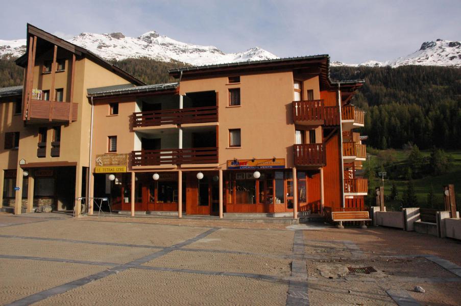 Holiday in mountain resort Studio sleeping corner 4 people (001) - Résidence Prés du Bois - Val Cenis - Summer outside