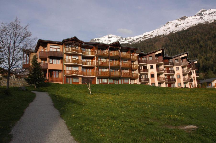 Soggiorno sugli sci Résidence Prés du Bois - Val Cenis - Esteriore estate