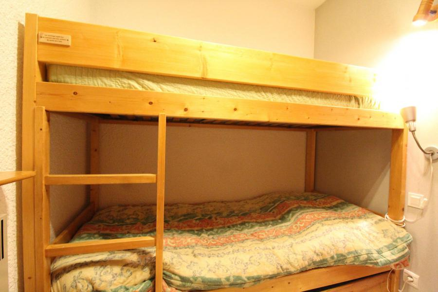 Holiday in mountain resort Studio sleeping corner 4 people (001) - Résidence Prés du Bois - Val Cenis