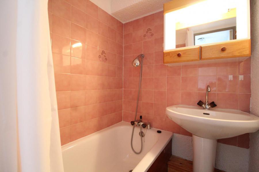 Holiday in mountain resort Studio sleeping corner 4 people (037) - Résidence Prés du Bois - Val Cenis - Bathroom