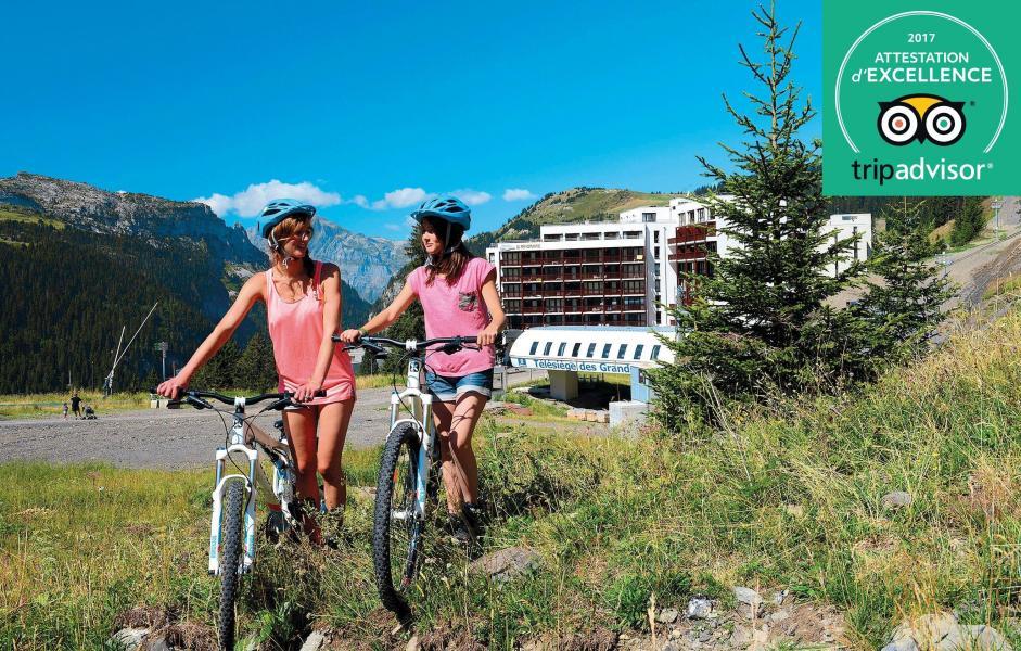 Urlaub in den Bergen Résidence Prestige  le Panoramic - Flaine - Draußen im Sommer