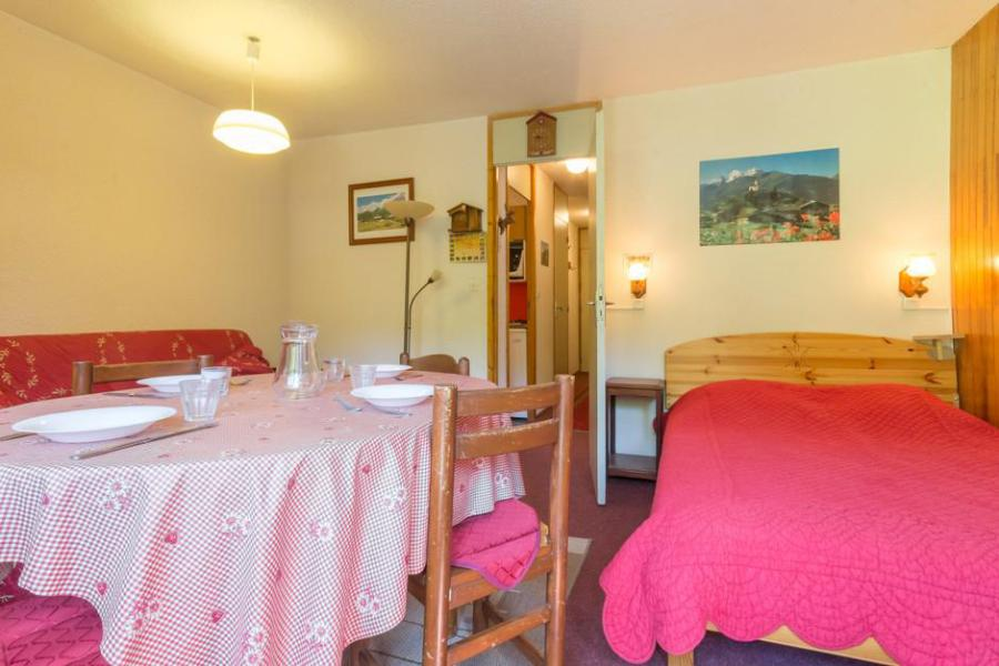 Holiday in mountain resort 2 room apartment 5 people (RTE13) - Résidence Rochette - Montchavin - La Plagne - Table