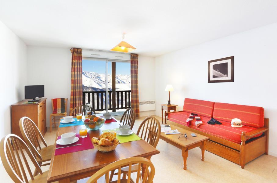 Urlaub in den Bergen Résidence Royal Peyragudes - Peyragudes - Tisch