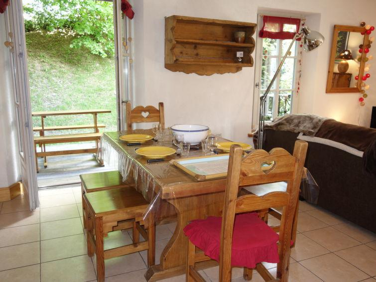 Holiday in mountain resort 3 room apartment 4 people (1) - Résidence Saint Gervais - Saint Gervais - Summer outside