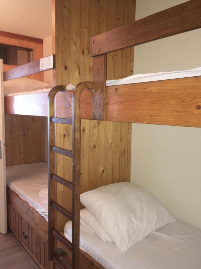 Holiday in mountain resort Studio sleeping corner 6 people (SAN37) - Résidence Sanctus - Gourette - Accommodation