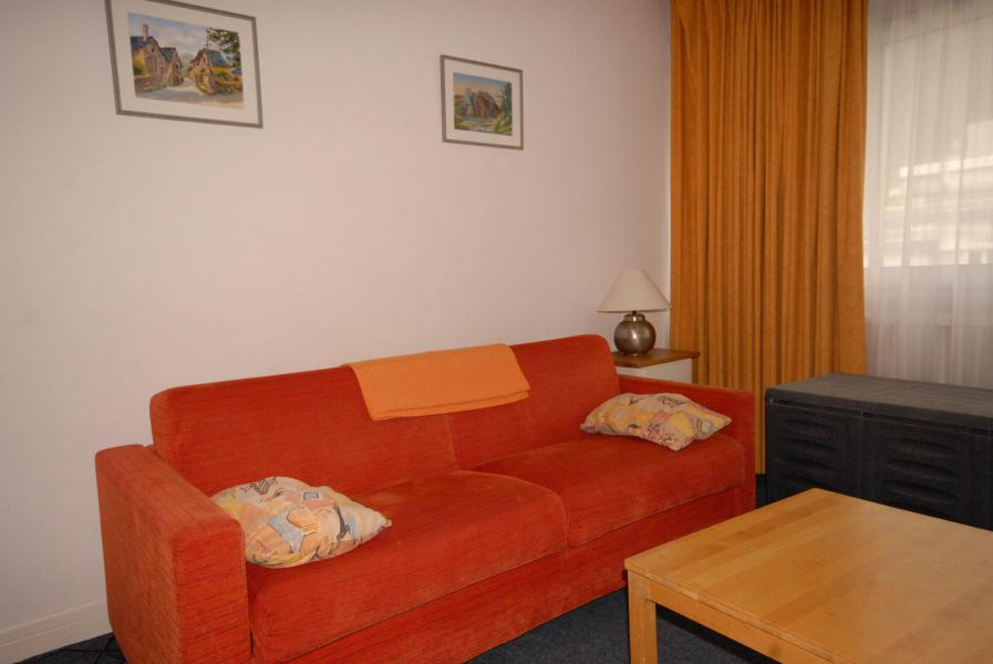 Holiday in mountain resort Studio 6 people (SAR198) - Résidence Sarrière - Gourette - Settee