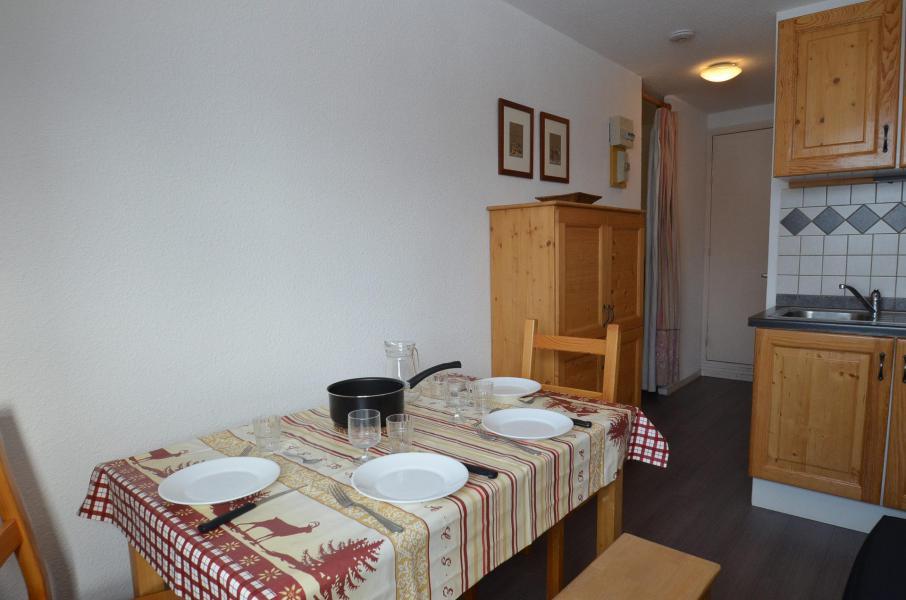 Vacances en montagne Studio cabine 3 personnes (617) - Résidence Sarvan - Les Menuires - Séjour