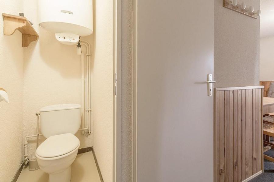 Holiday in mountain resort Studio sleeping corner 4 people (102) - Résidence Ski Soleil I - Les Menuires - WC