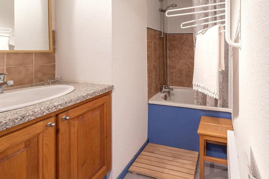 Holiday in mountain resort Studio sleeping corner 4 people (103) - Résidence Ski Soleil I - Les Menuires - Bathroom