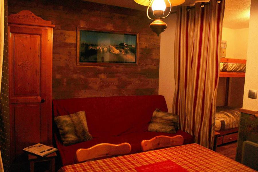 Holiday in mountain resort 2 room apartment sleeping corner 6 people (2206) - Résidence Ski Soleil II - Les Menuires - Living room