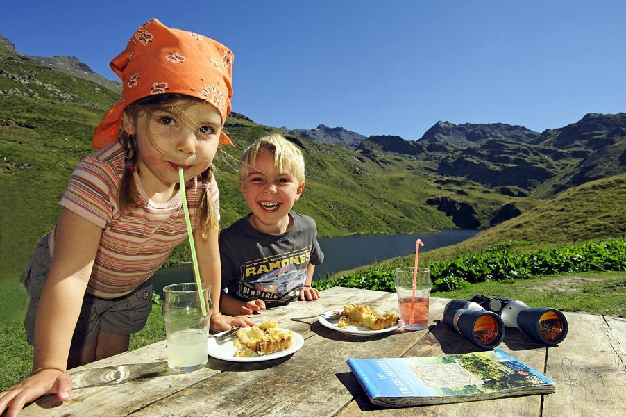 Rent in ski resort Résidence Soleil Vacances les Menuires - Les Menuires - Summer outside