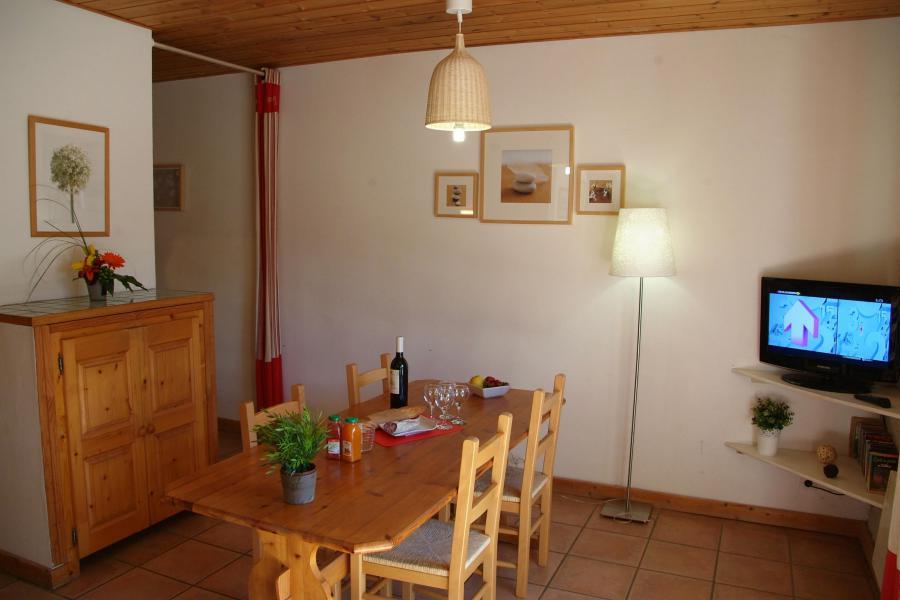 Urlaub in den Bergen Résidence Sunêlia les Logis d'Orres - Les Orres - Tisch