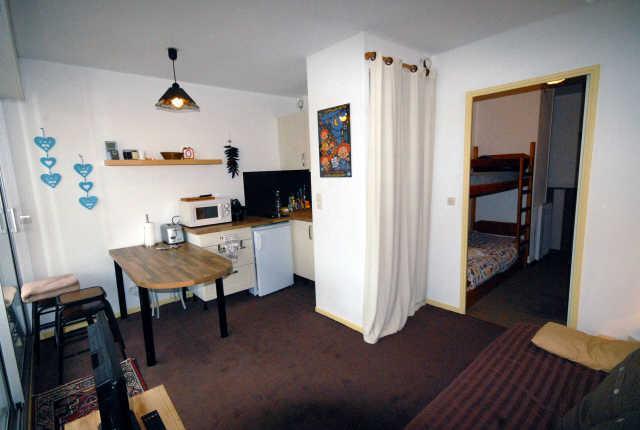 Holiday in mountain resort Studio sleeping corner 6 people (VAL104) - Résidence Val Soleil - Gourette