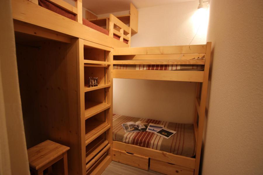 Vakantie in de bergen Appartement 2 kamers 4 personen (677) - Résidence Vanoise - Val Thorens - Tafel
