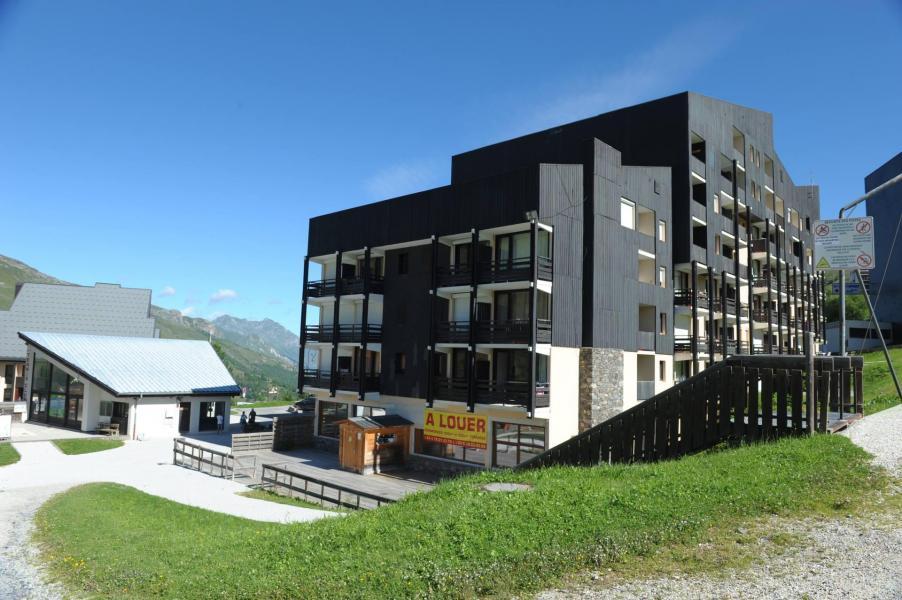 Vacances en montagne Résidence Villaret - Les Menuires - Extérieur été