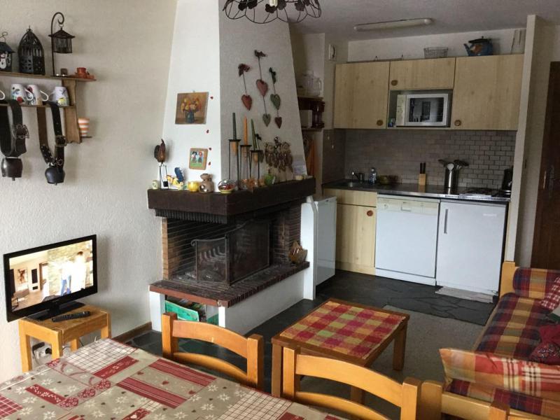 Vacaciones en montaña Apartamento dúplex 3 piezas 6 personas (YT4065) - Résidence Yéti - Châtel - Chimenea