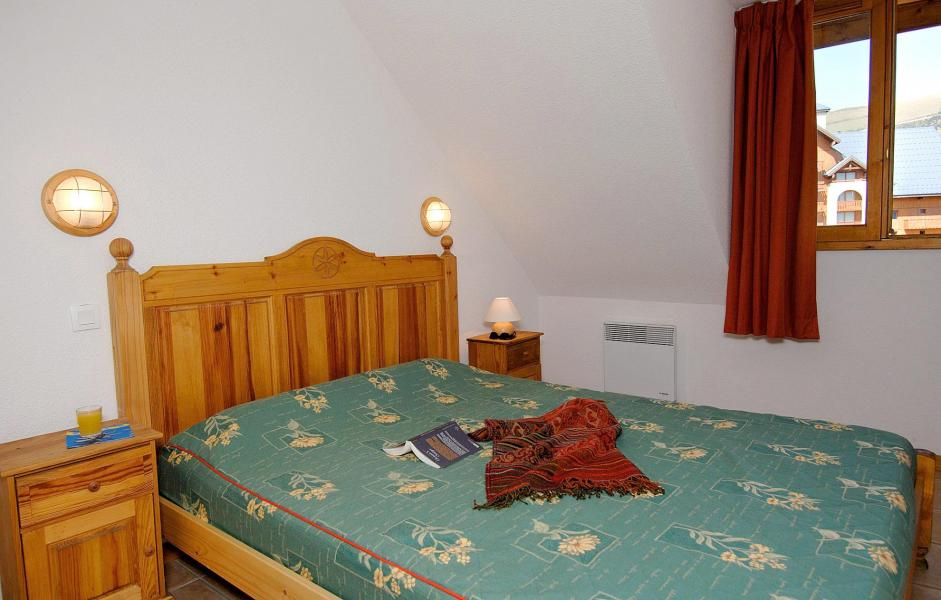 Holiday in mountain resort Résidences Goelia les Balcons du Soleil - Les 2 Alpes - Bedroom