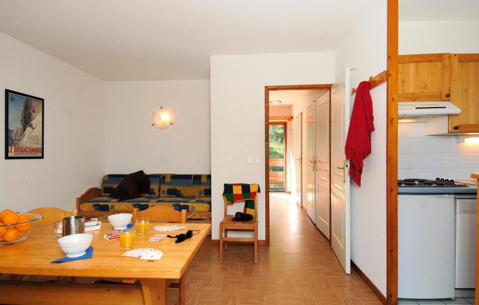 Holiday in mountain resort Résidences Goelia les Balcons du Soleil - Les 2 Alpes - Living room