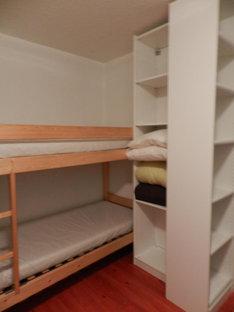 Holiday in mountain resort 2 room apartment 5 people (standard) - Résidences le Pleynet les 7 Laux - Les 7 Laux - Bedroom