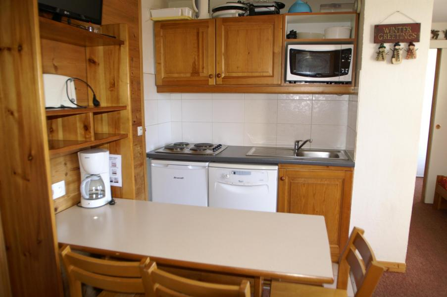 Holiday in mountain resort 2 room apartment 4 people (Renovated) - Résidences Prapoutel les 7 Laux - Les 7 Laux - Kitchen