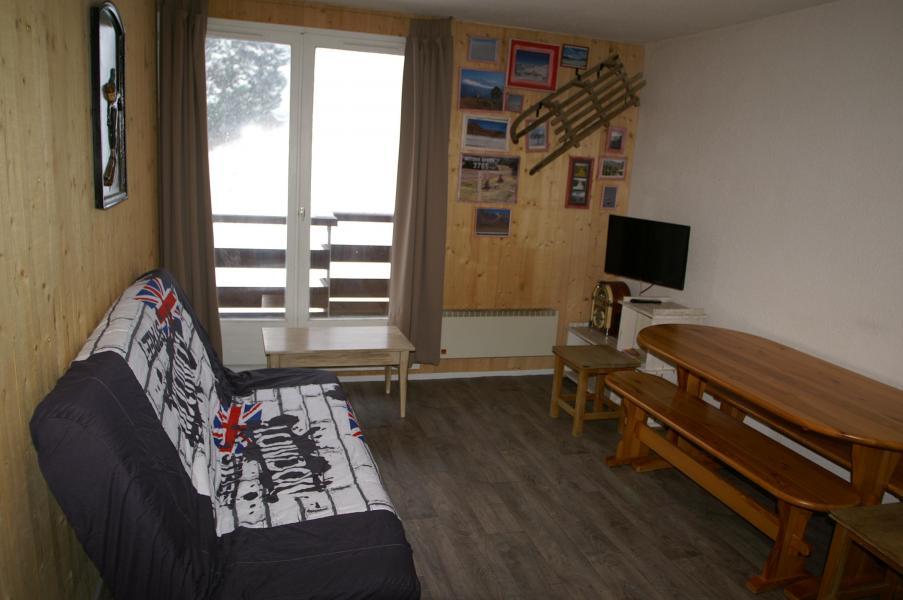 Holiday in mountain resort 2 room apartment 5 people (standard) - Résidences Prapoutel les 7 Laux - Les 7 Laux - Bed-settee