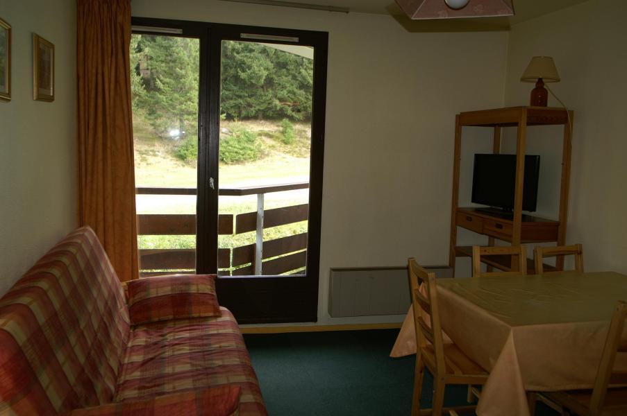 Holiday in mountain resort 2 room apartment 5 people (standard) - Résidences Prapoutel les 7 Laux - Les 7 Laux - Dining area