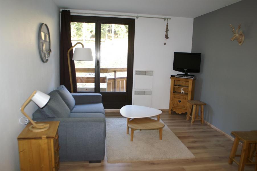 Holiday in mountain resort 2 room apartment 5 people (standard) - Résidences Prapoutel les 7 Laux - Les 7 Laux - Living room