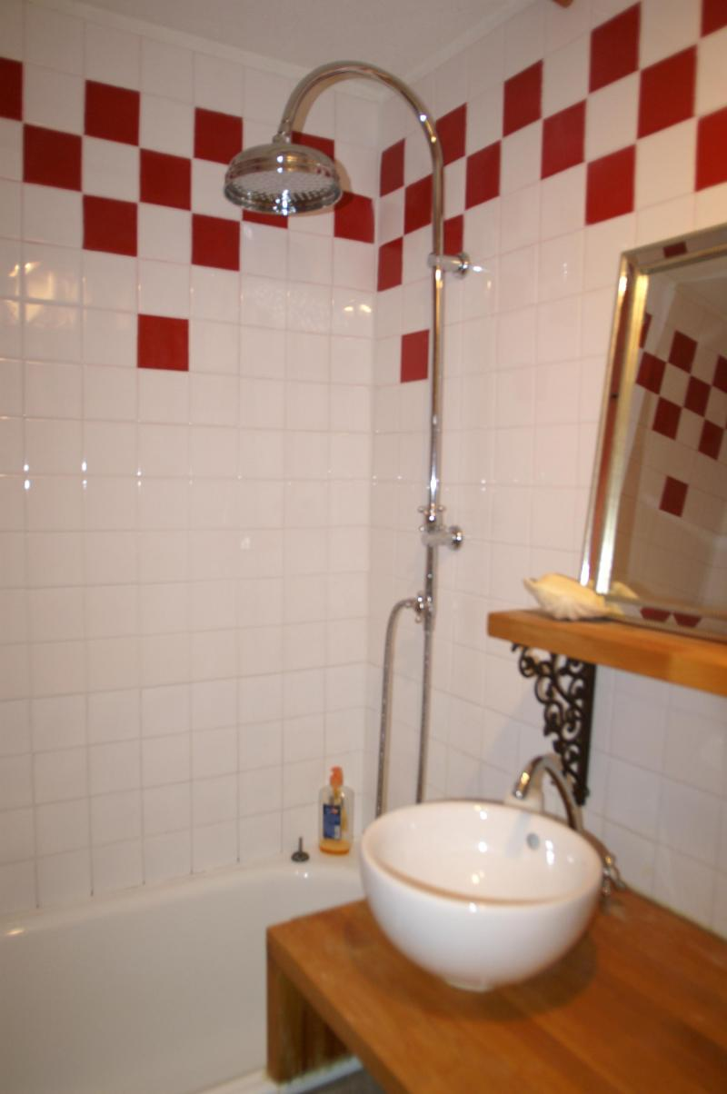 Holiday in mountain resort Studio cabin 4 people (standard) - Résidences Prapoutel les 7 Laux - Les 7 Laux - Bathroom