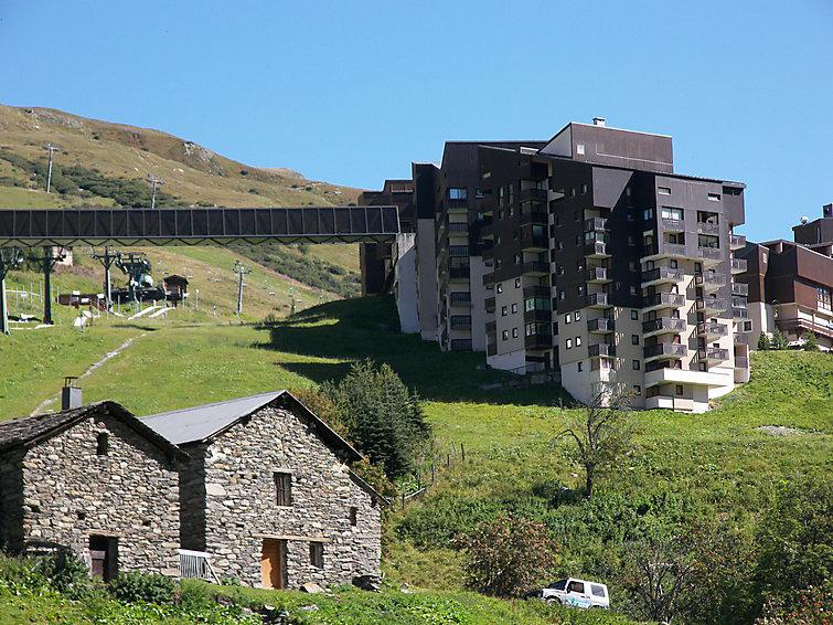 Holiday in mountain resort 1 room apartment 4 people (1) - Ski Soleil - Les Menuires - Summer outside
