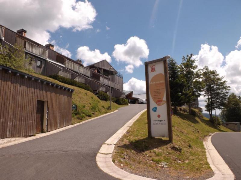 Urlaub in den Bergen VVF Villages les Monts du Cantal - Le Lioran - Draußen im Sommer