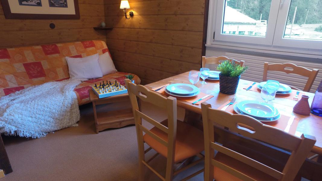 Urlaub in den Bergen VVF Villages les Monts du Jura - Lélex - Esszimmer