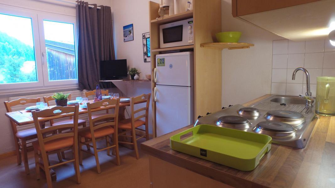 Urlaub in den Bergen VVF Villages les Monts du Jura - Lélex - Küche