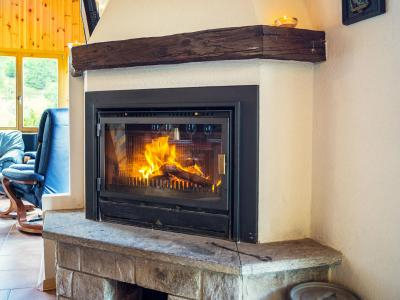Holiday in mountain resort Chalet Alpina P12 - La Tzoumaz - Fireplace