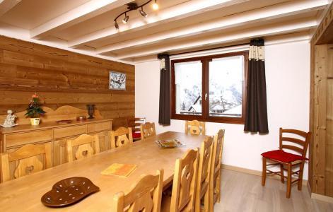 Vacances en montagne Chalet Alpina - Les 2 Alpes - Table