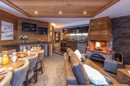Vacances en montagne Appartement 6 pièces 10 personnes - Chalet Altitude - Val Thorens - Cheminée
