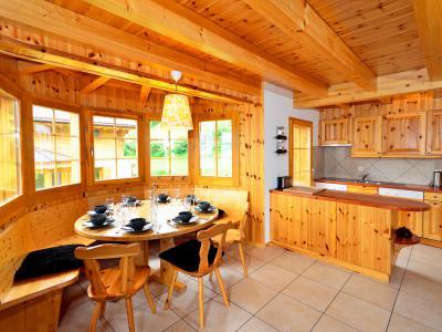 Vacances en montagne Chalet Bellevue - La Tzoumaz - Salle à manger