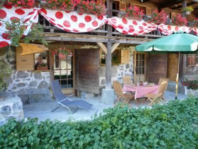 Rent in ski resort 4 room apartment 6 people (2) - Chalet Bon Vieux Temps - Le Grand Bornand - Summer outside