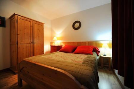 Vacances en montagne Appartement duplex 4 pièces 10 personnes - Chalet Cristal - Les Menuires - Lit double