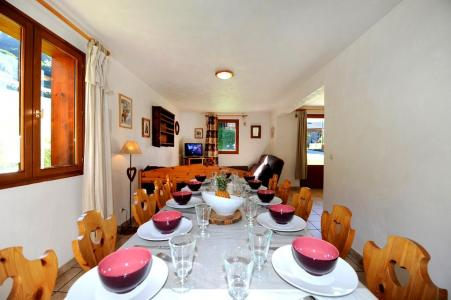 Vacances en montagne Appartement duplex 6 pièces 13 personnes - Chalet Cristal - Les Menuires - Table