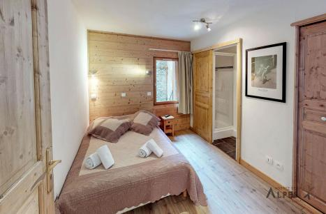 Holiday in mountain resort 10 room chalet 18 people (LET) - Chalet de la Villette - Saint Martin de Belleville - Double bed