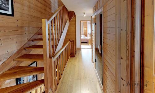 Holiday in mountain resort 10 room chalet 18 people (LET) - Chalet de la Villette - Saint Martin de Belleville - Stairs