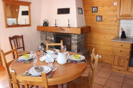 Holiday in mountain resort 2 room apartment 5 people (4) - Chalet Emeraude - Val Thorens - Table