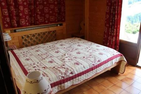 Holiday in mountain resort 2 room apartment cabin 4 people - Chalet Etche Ona - Le Grand Bornand - Double bed