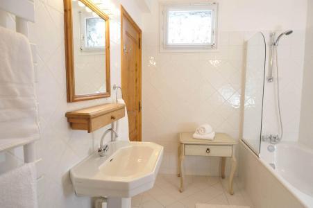Holiday in mountain resort Chalet Iona - Méribel - Bathroom
